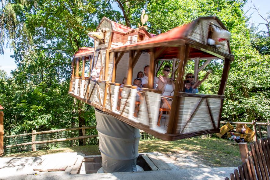 La ferme foldingue - ange michel - attraction - parc d'attraction - ferme - tourbillonante