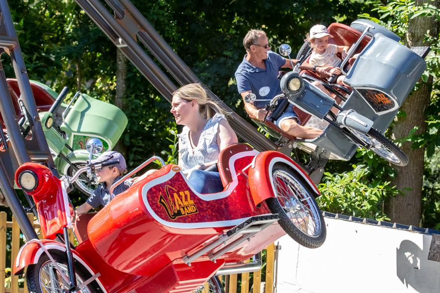 Sidecars Volants - ange michel - attraction - parc d'attraction - manège tournant