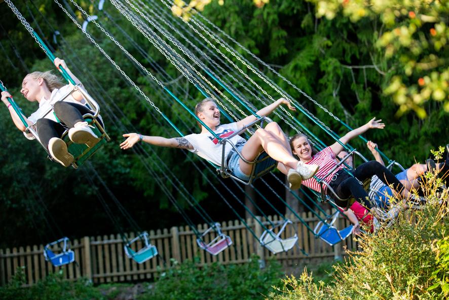 Manège chaises volantes - parc Ange Michel
